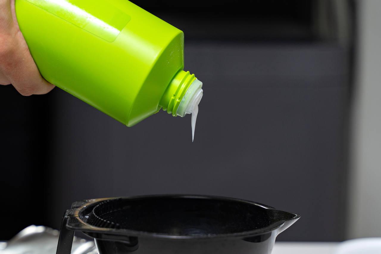 une chute de cheveux suite à une coloration peut être évitée en utilisant les bons produits
