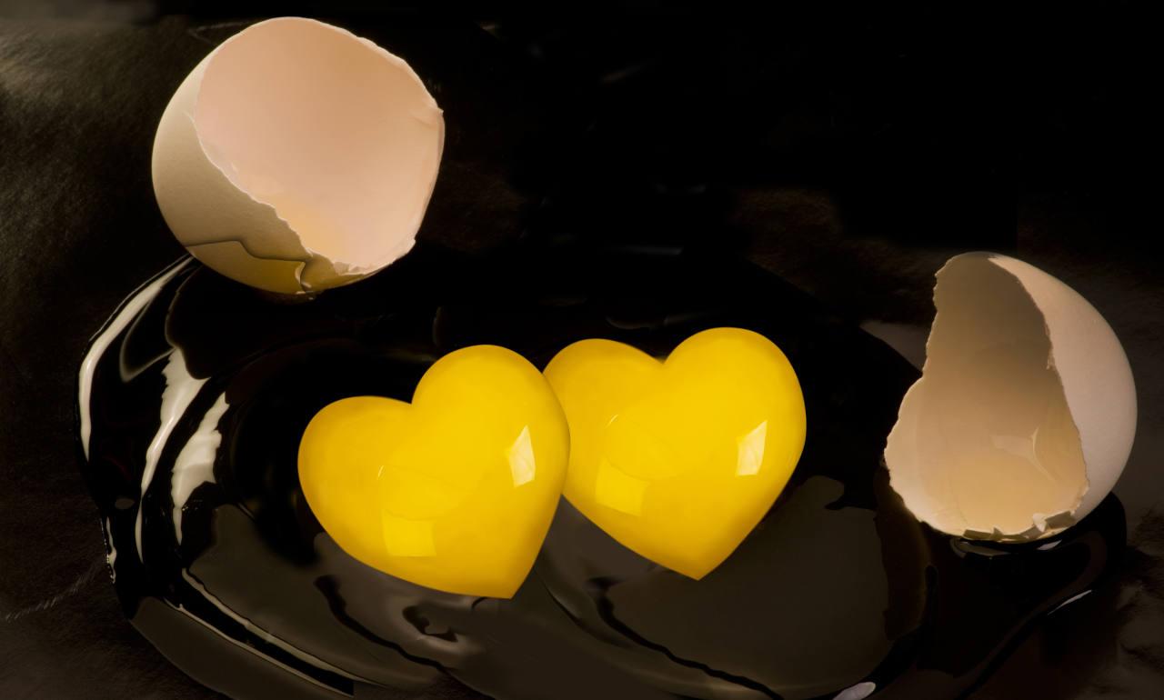le jaune d'un oeuf poché conserve ses nutriments actifs