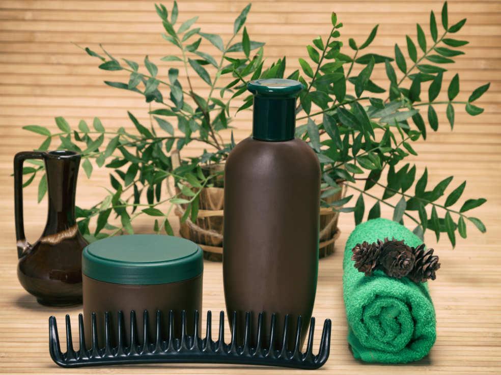 de nombreux produits utilisent les vertues de la caféine pour les cheveux