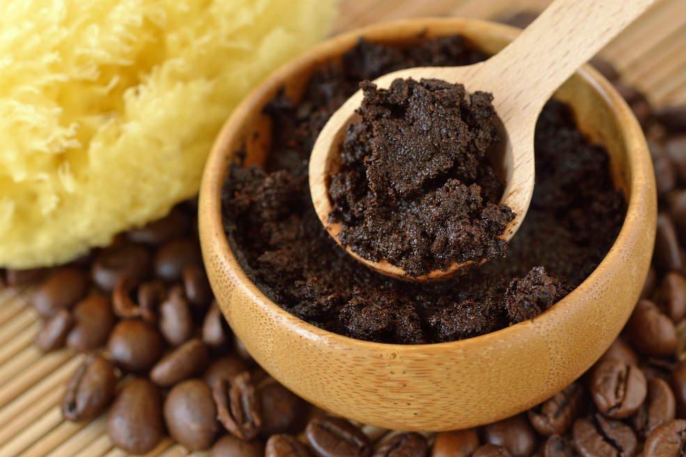 le marc de café est un nutriment essentiel de vos cheveux